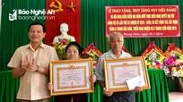 Thanh Chương: 5 đảng viên được trao tặng Huy hiệu 70 năm tuổi Đảng