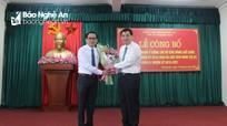 Bí thư Tỉnh ủy trao Quyết định chuẩn y Bí thư Thị ủy và Chủ tịch HĐND thị xã Hoàng Mai