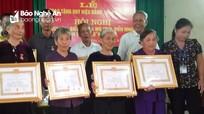 Thái Hòa: Trao Huy hiệu Đảng cho 9 đảng viên