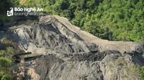 """Nghệ An: """"Bom bẩn"""" vẫn treo trên núi sau 2 năm thảm họa vỡ đập chứa bùn thải"""