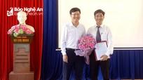 Thị ủy Thái Hòa công bố các quyết định điều động cán bộ