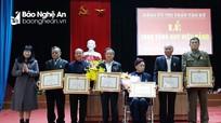 Đô Lương, Tân Kỳ trao Huy hiệu 65, 70 tuổi Đảng