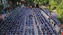 Hàng trăm học sinh Nghệ An tham dự chương trình tìm hiểu và tuyên truyền bảo vệ môi trường
