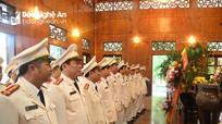 Công an Nghệ An tưởng niệm Chủ tịch Hồ Chí Minh tại Khu di tích Kim Liên