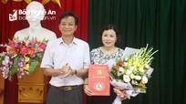 Quỳnh Lưu công bố quyết định phân công Trưởng ban Dân vận Huyện ủy