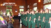 Lực lượng vũ trang Quân khu 4 và của tỉnh Nghệ An tưởng niệm Chủ tịch Hồ Chí Minh