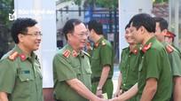 Thứ trưởng Bộ Công an Nguyễn Văn Thành làm việc với Công an thành phố Vinh
