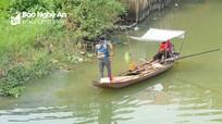 Cá chép ông Táo vừa thả đã bị người dân kích điện, đánh lưới ở Nghệ An