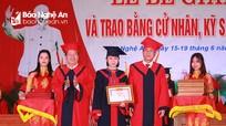 Đại học Vinh trao bằng cử nhân, kỹ sư cho 3.150 sinh viên