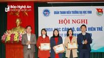 ĐH Vinh khen thưởng 6 cán bộ giảng viên trẻ