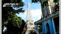 """Nghệ An: Độc đáo """"tháp Eiffel tre"""" cao 22m chào đón Giáng sinh 2018"""