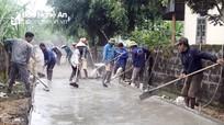 Xóm nhỏ huy động 500 triệu đồng làm đường bê tông