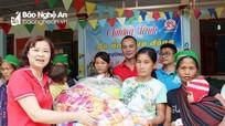 Hàng trăm suất quà đến với người dân vùng lũ Kỳ Sơn
