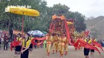 Hàng ngàn người dân, du khách thập phương về dự khai mạc Lễ hội Đền Vạn - Cửa Rào