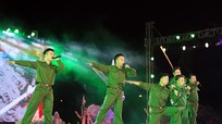 Hàng ngàn khán giả xúc động với 'Trường Sơn - Con đường huyền thoại'