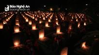 Gần 11.000 ngọn nến thắp sáng Nghĩa trang liệt sỹ Quốc tế Việt - Lào