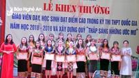 Trường Dân tộc nội trú tỉnh Nghệ An khen thưởng giáo viên và học sinh xuất sắc