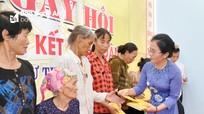 Chủ tịch Ủy ban MTTQ tỉnh dự Ngày hội Đại đoàn kết ở thị xã Hoàng Mai