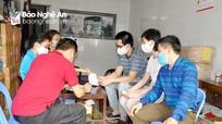 Người dân TP Vinh ký cam kết cung cấp thông tin về người thân ở nước ngoài