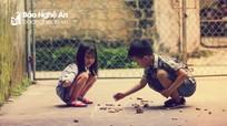 Trẻ em thành Vinh háo hức với trò chơi dân gian trong mùa Covid-19
