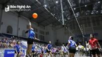 Hơn 400 vận động viên tranh tài tại Giải Bóng chuyền hơi nữ Công đoàn Viên chức Nghệ An năm 2020