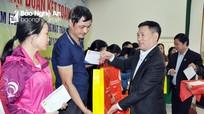 Tổng Kiểm toán Nhà nước Hồ Đức Phớc chung vui Ngày hội Đại đoàn kết tại thành phố Vinh