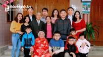 Ấm áp Lễ mừng thọ giữa mùa dịch ở Nghệ An