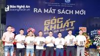 Ra mắt sách 'Góc khuất bóng đá xứ Nghệ' của hai nhà báo Nghệ An