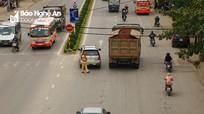 Nghệ An: 3 tháng tước 27 giấy phép lái xe, cắt thùng 15 phương tiện quá tải