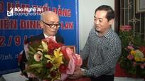 TP. Vinh: Trao Huy hiệu 70 năm tuổi Đảng