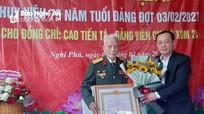 Trao Huy hiệu 75 năm tuổi Đảng