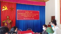 Trưởng ban Tuyên giáo Tỉnh ủy kiểm tra công tác bầu cử tại Hưng Nguyên