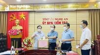 Ủy ban Kiểm tra Tỉnh ủy ủng hộ Quỹ phòng, chống dịch Covid-19