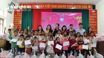 Hàng trăm suất quà gần 100 triệu đồng được trao cho học sinh, hộ nghèo tại Tương Dương