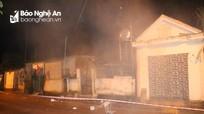 Nghệ An: Sạt lở núi, sập nhà, nhiều người hoảng loạn