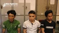 """3 thanh niên trộm xe máy """"cắm"""" nửa triệu đồng"""