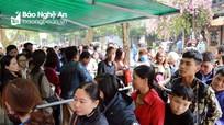 Nghệ An: Người dân chen chân làm hộ chiếu, chứng minh nhân dân sau Tết