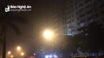 Cháy chung cư ở TP Vinh, hàng trăm người hoảng loạn