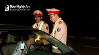 Nam giáo viên ở Nghệ An bị phạt gần 40 triệu đồng vì uống rượu rồi lái xe ô tô đi trái đường