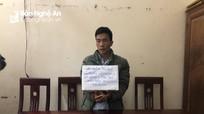 Bắt khẩn cấp kẻ xách 2 túi ma túy đá ở Nghệ An