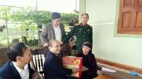 Đoàn đại biểu Quốc hội tỉnh thăm, tặng quà Tết tại Quỳ Hợp