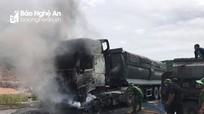 Nghệ An: Thêm 1 ô tô bốc cháy khi đang lưu thông trên đường