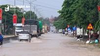 Mưa lớn gây ngập sâu nhiều đoạn trên Quốc lộ 1A