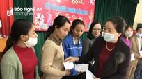 Liên đoàn Lao động tỉnh trao quà Tết cho đoàn viên xã Nghi Yên