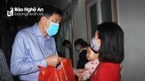 Tổ chức công đoàn tặng quà Tết cho công nhân lao động tại khu công nghiệp Bắc Vinh