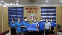LĐLĐ tỉnh hỗ trợ hơn 200 triệu đồng cho đội ngũ cán bộ y tế vào Nam chống dịch