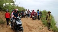 Hàng trăm thí sinh dự thi THPT Quốc gia được miễn phí khi qua đò Phuống