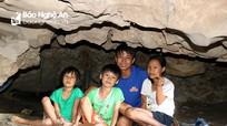 Nắng như đổ lửa, người dân đổ xô vào hang Đồng Cò tránh nóng
