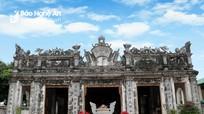Chiêm ngưỡng kiến trúc độc đáo của ngôi đền làng biển hàng trăm năm tuổi