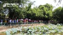 Dòng người xúc động về thăm Kim Liên quê Bác tháng Năm